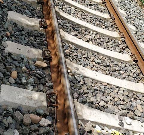 Person unter Zug