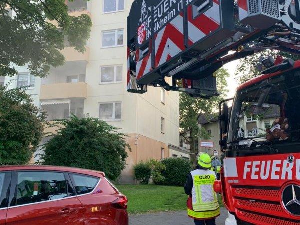 Feuer in Gebäude – Menschenlaben in Gefahr