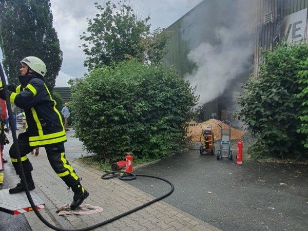 Feuer in Sondergebäude